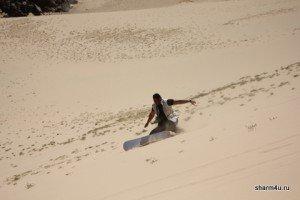 Сэндбординг - катание на доске по песку в Шарм-эль-Шейхе